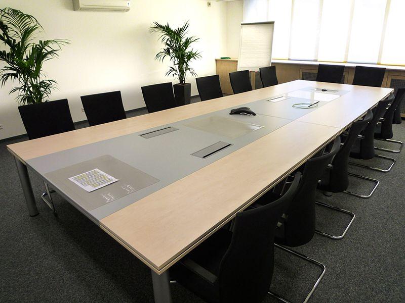 Hacker Büromöbel Konferenzmöbel